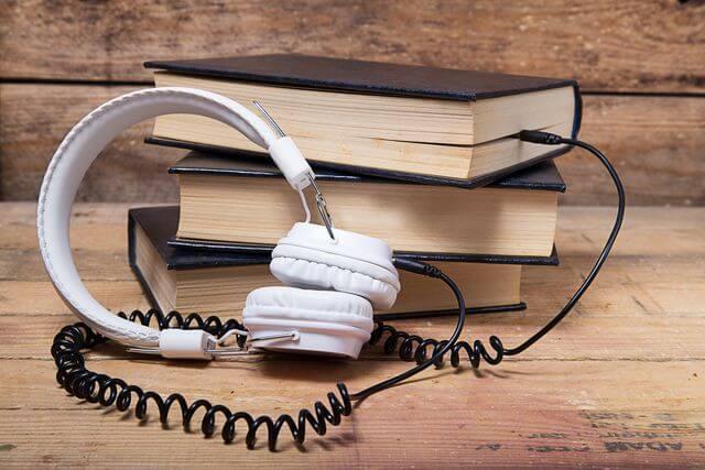 935 audiobooks em inglês para você ouvir ou baixar gratuitamente