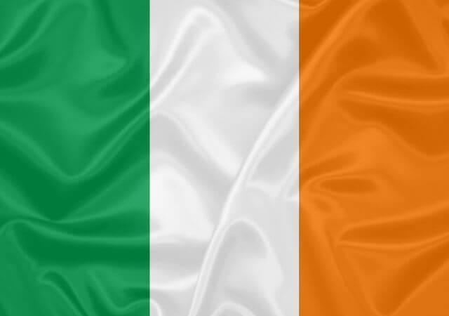 Escola irlandesa oferece curso de inglês gratuito pela internet