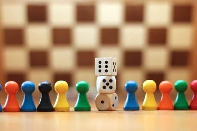 13 jogos de tabuleiro para aprender inglês se divertindo