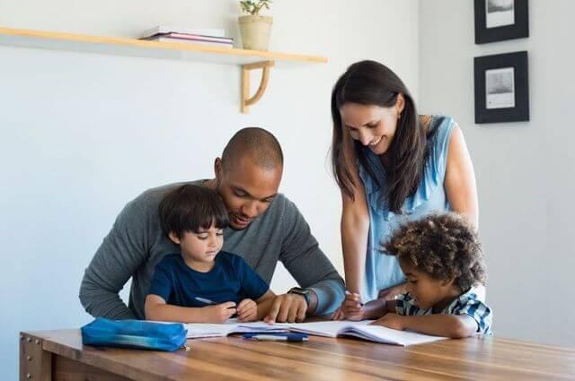 aprender-uma-lingua-com-a-sua-familia